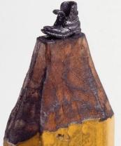 un-artiste-sculpte-des-mines-de-crayons-pour-des-oeuvres-dune-precision-chirurgicale7